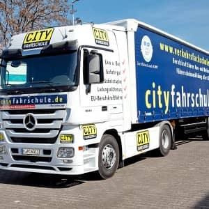 Lastkraftwagen der Cityfahrschule: Führerschein Klasse CE